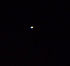 Saturn: Rõnga asemel on kriips. Suurendamist see pilt kahjuks ei kannata. Jaak Jaaniste foto.