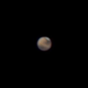 Marss teleskoobis: näha on polaarmüts ning heledamad ja tumedamad alad. Foto: Meelis Tiitson