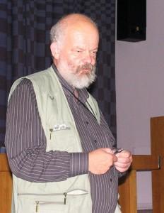 Tõnu Tuvikene esinemas 2009. aasta astronoomiahuviliste kokkutulekul Tõraveres. Foto: Martin Vällik