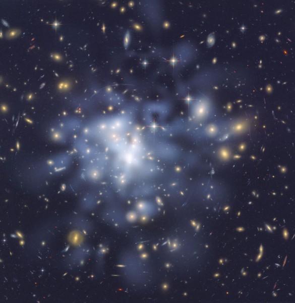 Detailne tumeaine kaart galaktikaparvest Abell 1689
