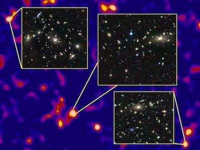 Tumaeine võre sõlmedes auvad massivsed galaktikaparved.
