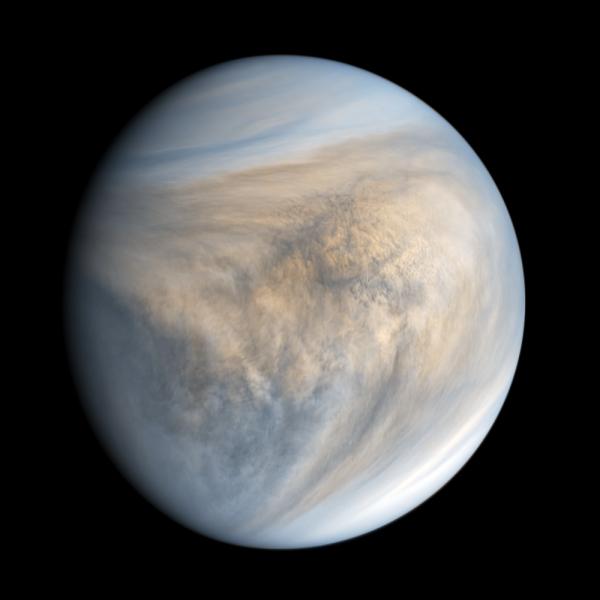 Veenus pildistatuna ultraviolettkiirguses Jaapani Veenuse ümber tiirleva kosmoseaparaadi Akatsuki poolt. Nähtavas valguses paistaks Veenuse pilvkate praktiliselt täiesti valge.