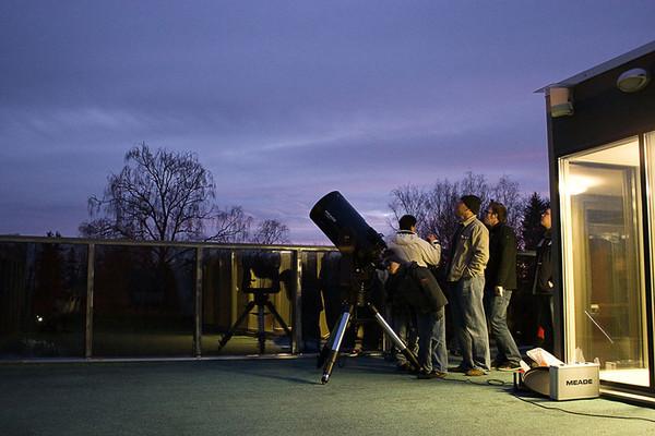 100 tundi astronoomiat