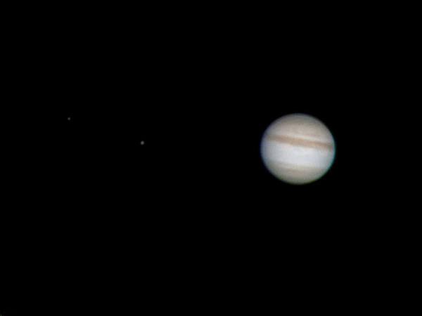 Jupiter kahe kaaslasega